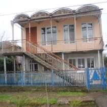 Продажа двухэтажного частного дома в районе Острова, Поти, в г.Поти