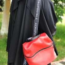 Рюкзак красный оригинал новый, в Назране