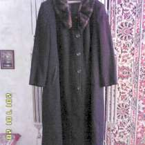 Продаю женское пальто, в Феодосии