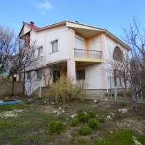 Дом в Симферополе пл.353 м. кв. участок 10,5 сот. р-н АШАНА, в Симферополе