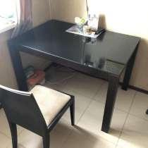 Отдаю кухонный стол в дар, в Москве