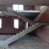 Монолитная бетонная лестница, в Новосибирске