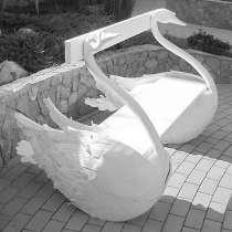 """Скамья скульптурная""""Два лебедя"""", в Краснодаре"""