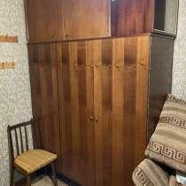 Отдам мебель СССР, в Москве