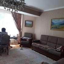 Продаю 4-х комнатную квартиру, в г.Бишкек