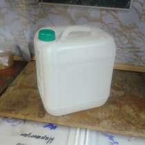 8-ми литровые пластиковые канистры, в Нерюнгрях