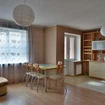 Сдам посуточно двухуровневую квартиру, ул. Уральская 3, в Екатеринбурге