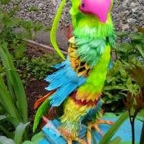 Красивые птички из пластиковых бутылок для украшения огорода, в Екатеринбурге