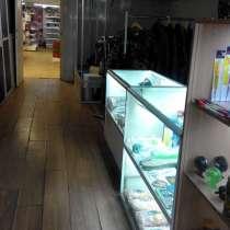 Торговая секция в действующем магазине, в Москве