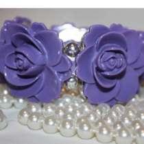 Браслет новый на Резинке сиреневый Фиолетовый розы пластик, в Москве