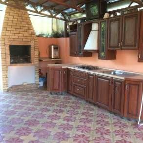 Дом с мебелью и бассейном, в Сочи