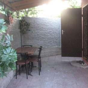 Дом 3-комнатный, без хозяев, посторонних, со своим двором, в Феодосии