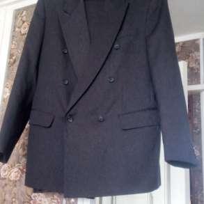 Продам отличный мужской костюм р.46-48 б\у 1 раз, в Пензе