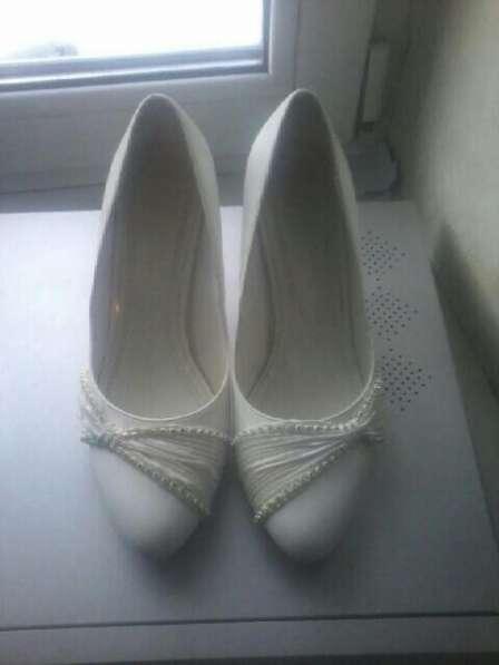 Туфли женские в Новосибирске