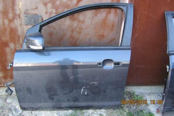 Передняя левая дверь Ford Focus 2 (2008-2011)