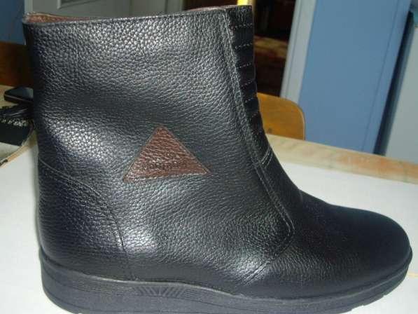 Кожаные ботинки на меху