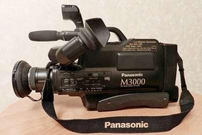полупрофессиональную камеру Panasonic М3000