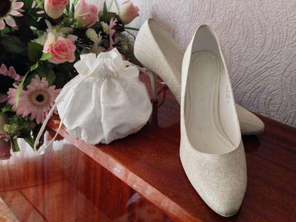 Свадебное необычное платье с пионами, 42-44.13000 руб в Краснодаре фото 3