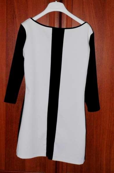 Платье стильное Sabrina scala б/у р.42
