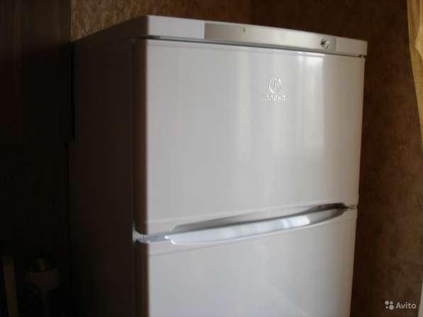 Холодильник Indesit 170cм