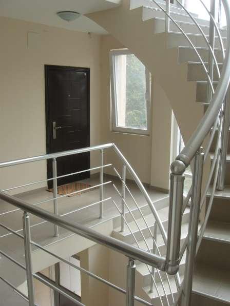 Студия 30 кв. м, 2 этаж 4 эт. жилого здания г. Черноморец в фото 4
