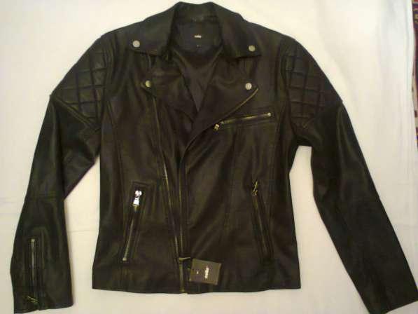 Итальянская мужская кожанная куртка черная новая размер S