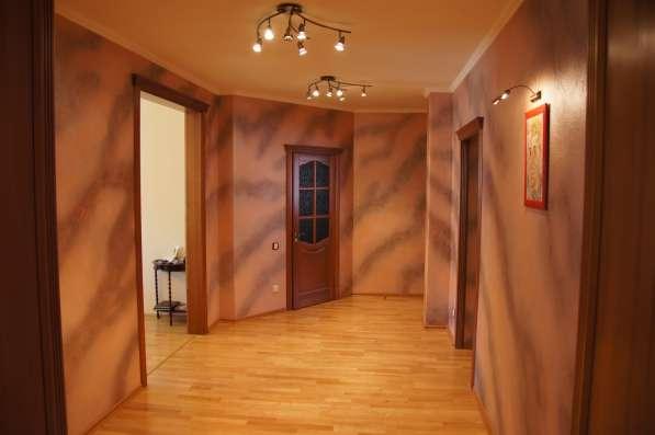 Продаю 3-х комнатную квартиру 115кв. м. ул. Стасовой 19