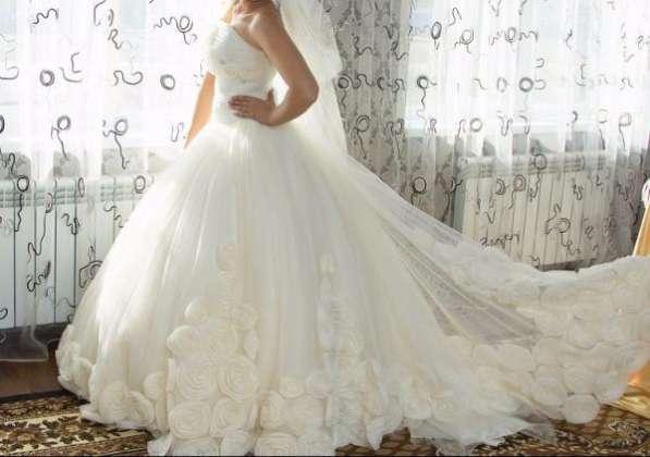 Свадебное платье(дизайнерское)
