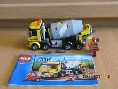 игрушку Лего сити Бетономешалка