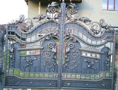 ворота кованые различных конфигураций