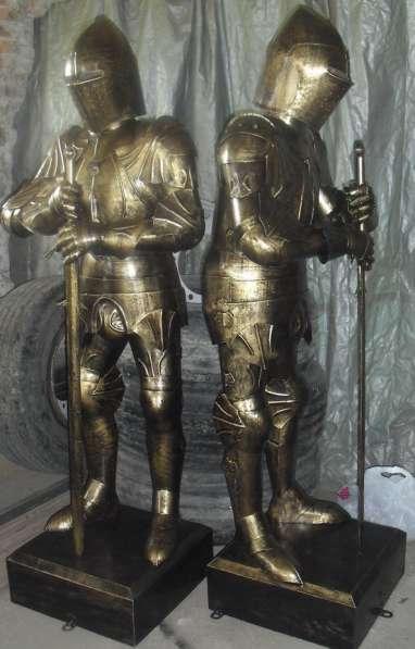 Два рыцаря из металла в Краснодаре