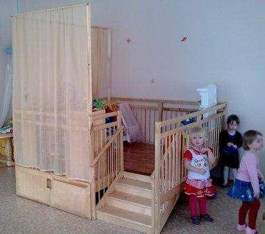 Игровая веранда - манеж с дверками для детских садиков и домов ребенка.
