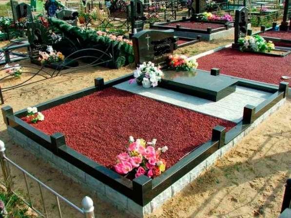Благоустройство могил и установка памятника Солигорск в фото 8