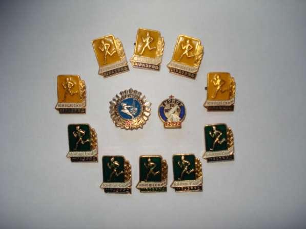 Продам значки для коллекции в фото 3
