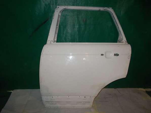 Land Rover Voque Задняя левая дверь Оригинальный. Б/У