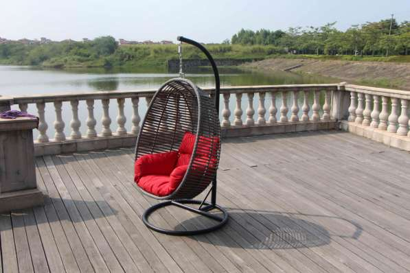 Подвесное кресло серое из искусственного ротанга
