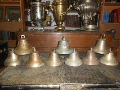 Коллекция из девяти старинных колоколов