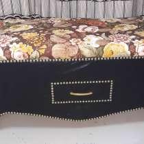 Продам дизайнерские диван, банкетку, пуфик, в Оренбурге