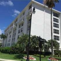 Двухуровневая квартира в Санни-Айлс-Бич, в г.Майами