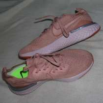Продам кроссовки NIKE 40 размер, в Железногорске