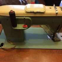 Ножная щвейная машина б/у без привода в тумбе, в г.Санкт-Петербург