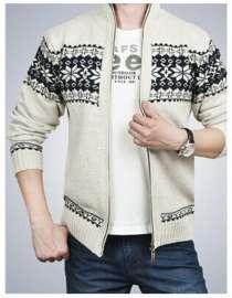 Продам мужской свитер на замке JEEP р-р 52, новый, в Новосибирске