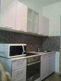 Кухонные гарнитуры в цветах Лайм, и Ирис, в Нижнем Тагиле