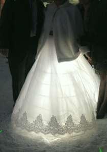 Свадебное платье, шубку, сапожки, в Магнитогорске