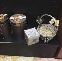 Новогодние корзины и коробки и свечи, в Москве