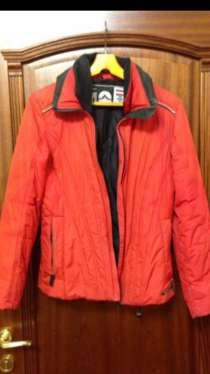 Красная куртка, в Мурманске