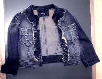 Продам модную  джинсовую курточку р-р 42-44 для девушки, в Омске