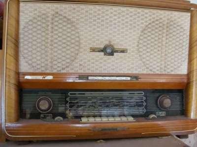 радио с пластинками
