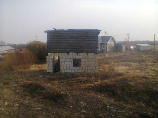 Садовый участок с недостроенным домом
