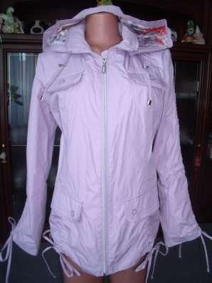 Эффектная куртка-ветровка р.48 новая
